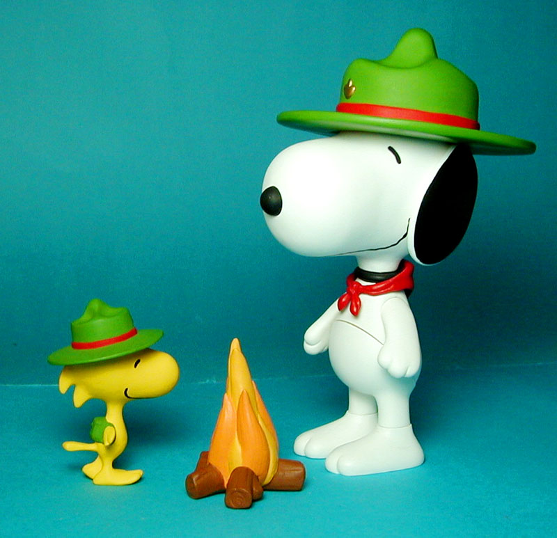 Camping Snoopy and Woodstock