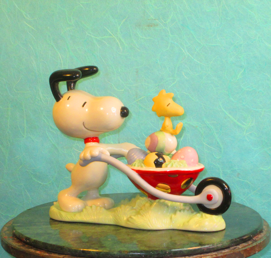 fine china Leno ceramics Easter Snoopy with Woodstock in a wheel barrow