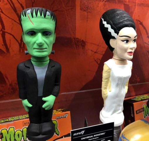 Frank & Bride soakys Super 7 ToyFair