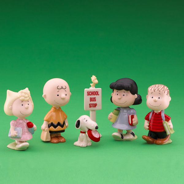 the Peanuts Gang first day back to school Sally, Chuck, Snoopy, Woodstock, Lucy and Linus Lenox